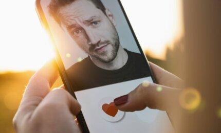 juoda dating website londonas pažinčių svetainė kursą